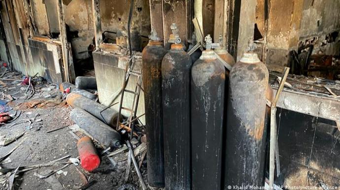 العراق.. مصرع 36 شخصا في حريق بمستشفى خاص لعلاج مرضى كورونا بالناصرية