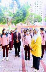 مدير المرج التعليمية يتابع تنفيذ الإجراءات الاحترازية داخل المدارس (صور)